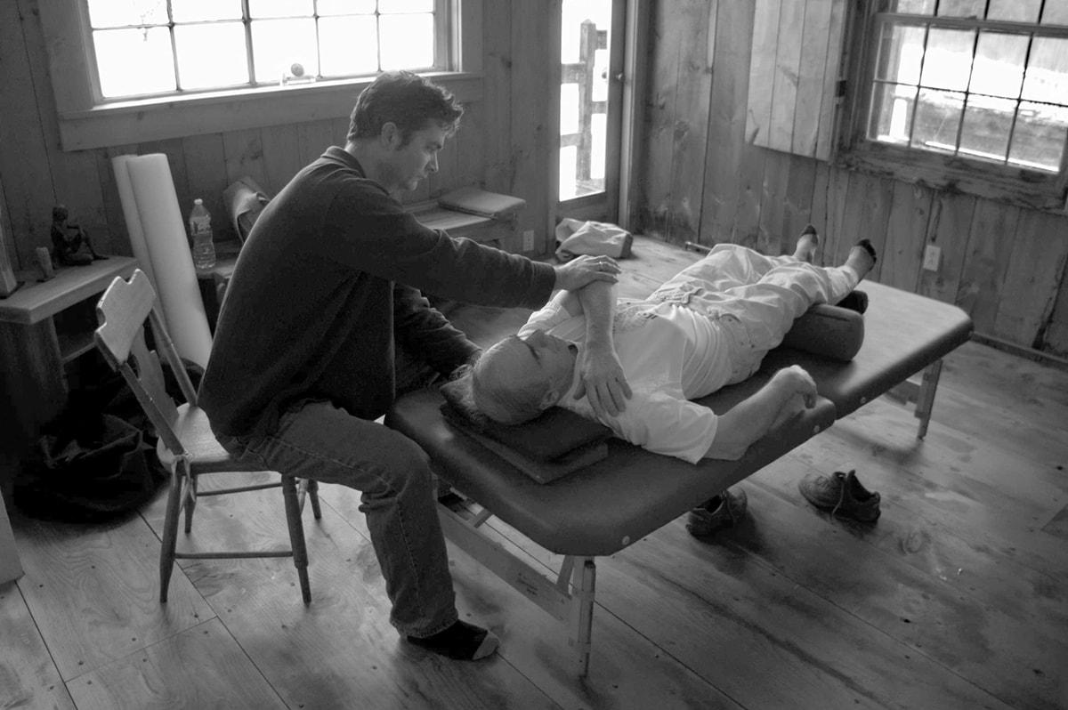 The Feldenkrais Approach to Healing Back Pain